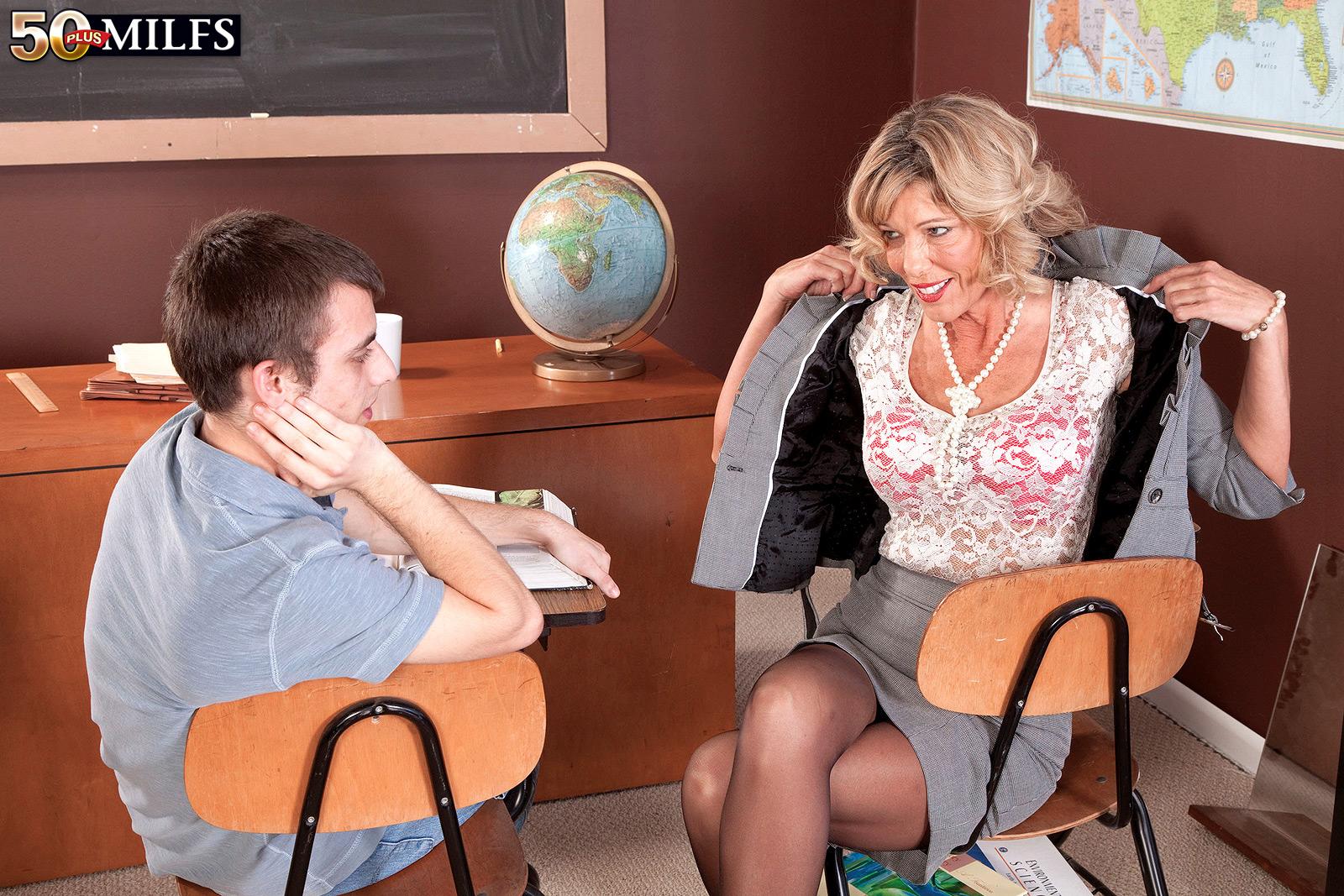 Училки ебутся с учениками русское 11 фотография