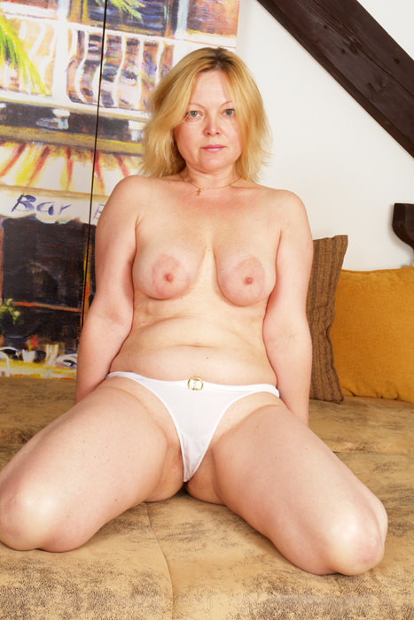 Granny hot50 plus - 3 3