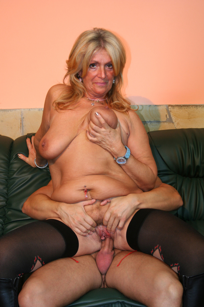 Join told old granny getting fucked hard with