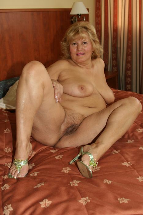 starie-golie-zhenshini-porno-foto