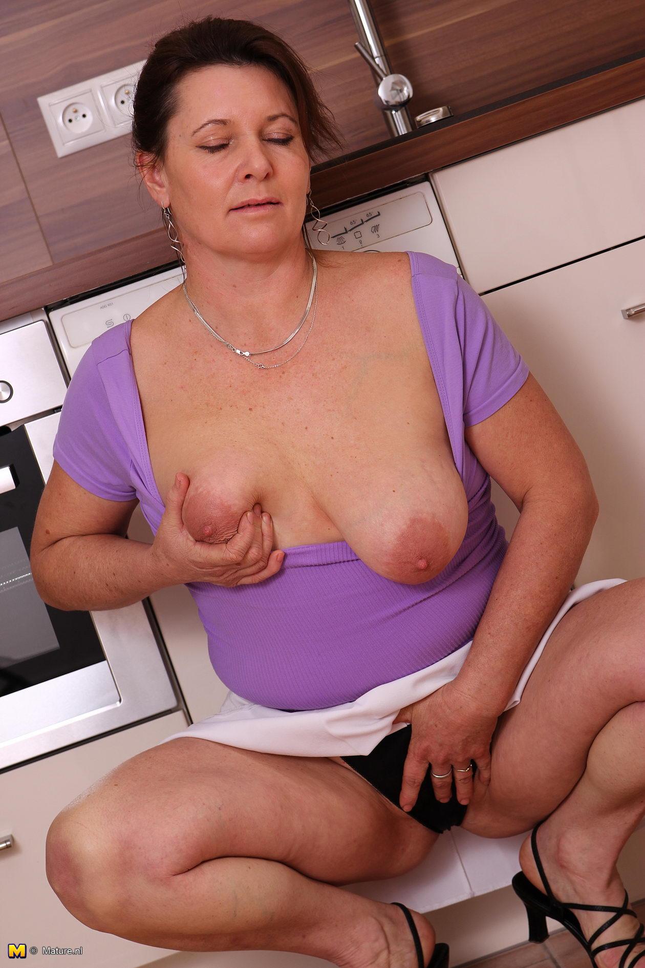 Huge Tits Milf Kitchen Prostitution Sting