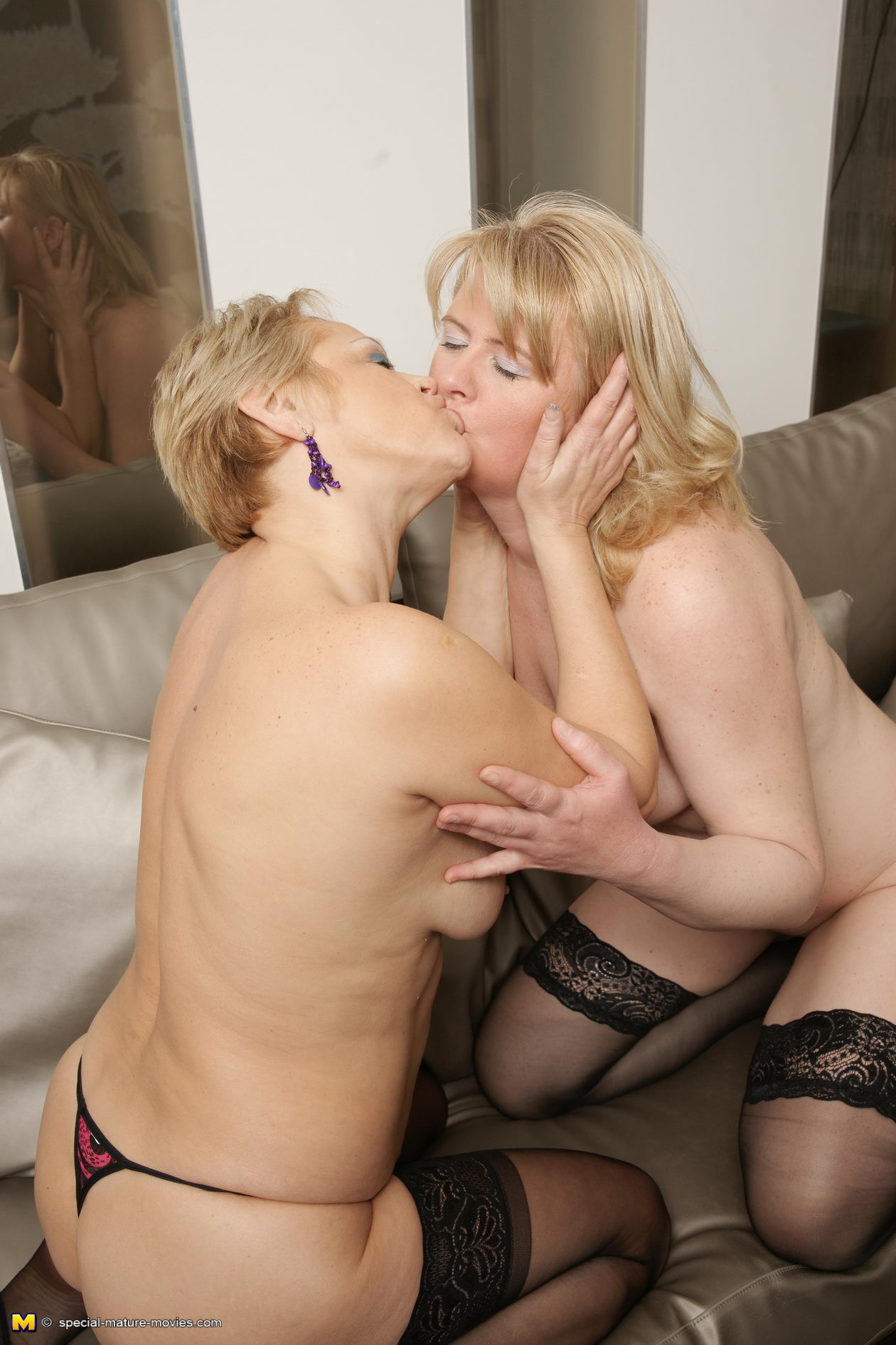 Похотливые старухи порно онлайн 20 фотография