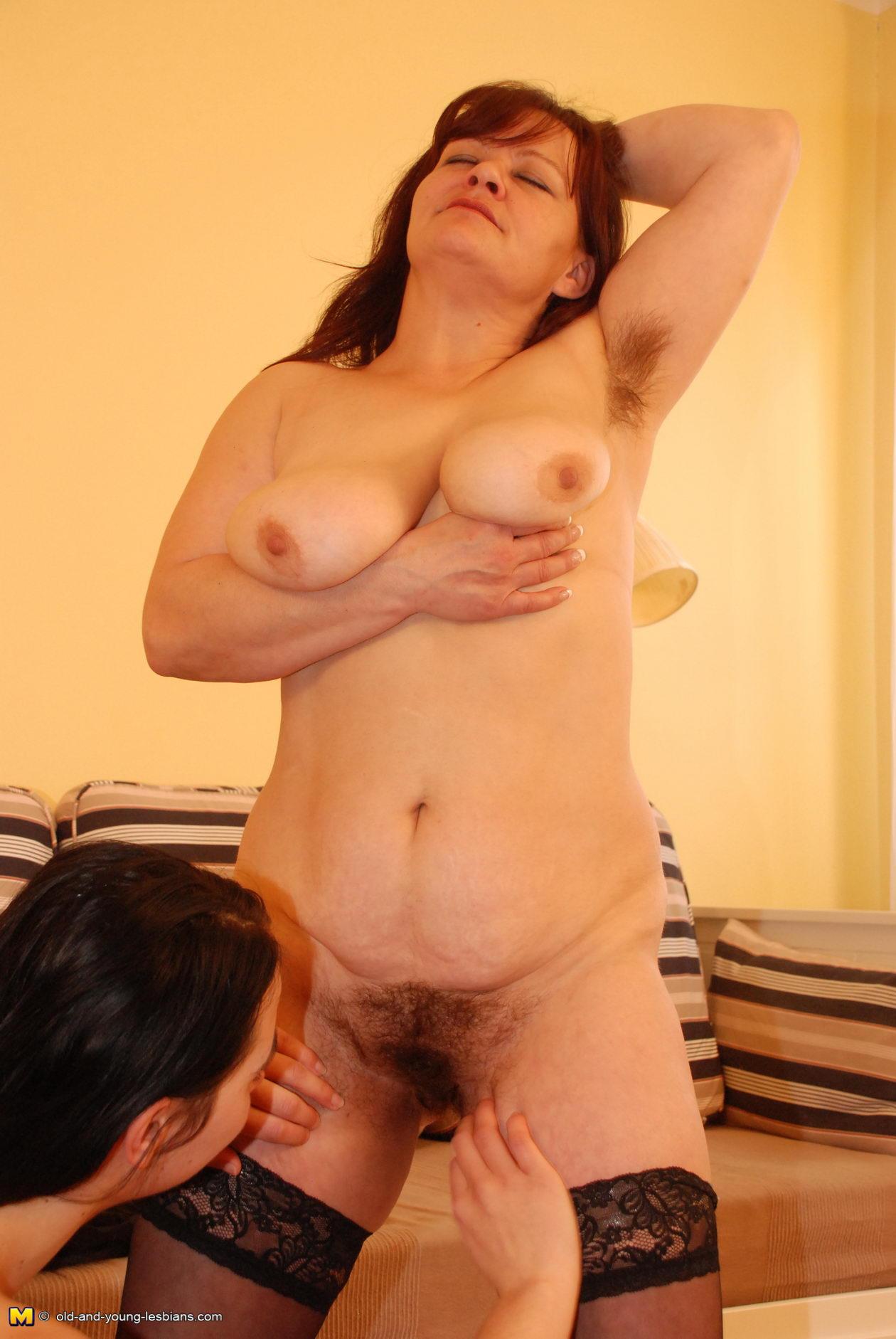 волосатой с с домашнее порно сыном пиздой матери