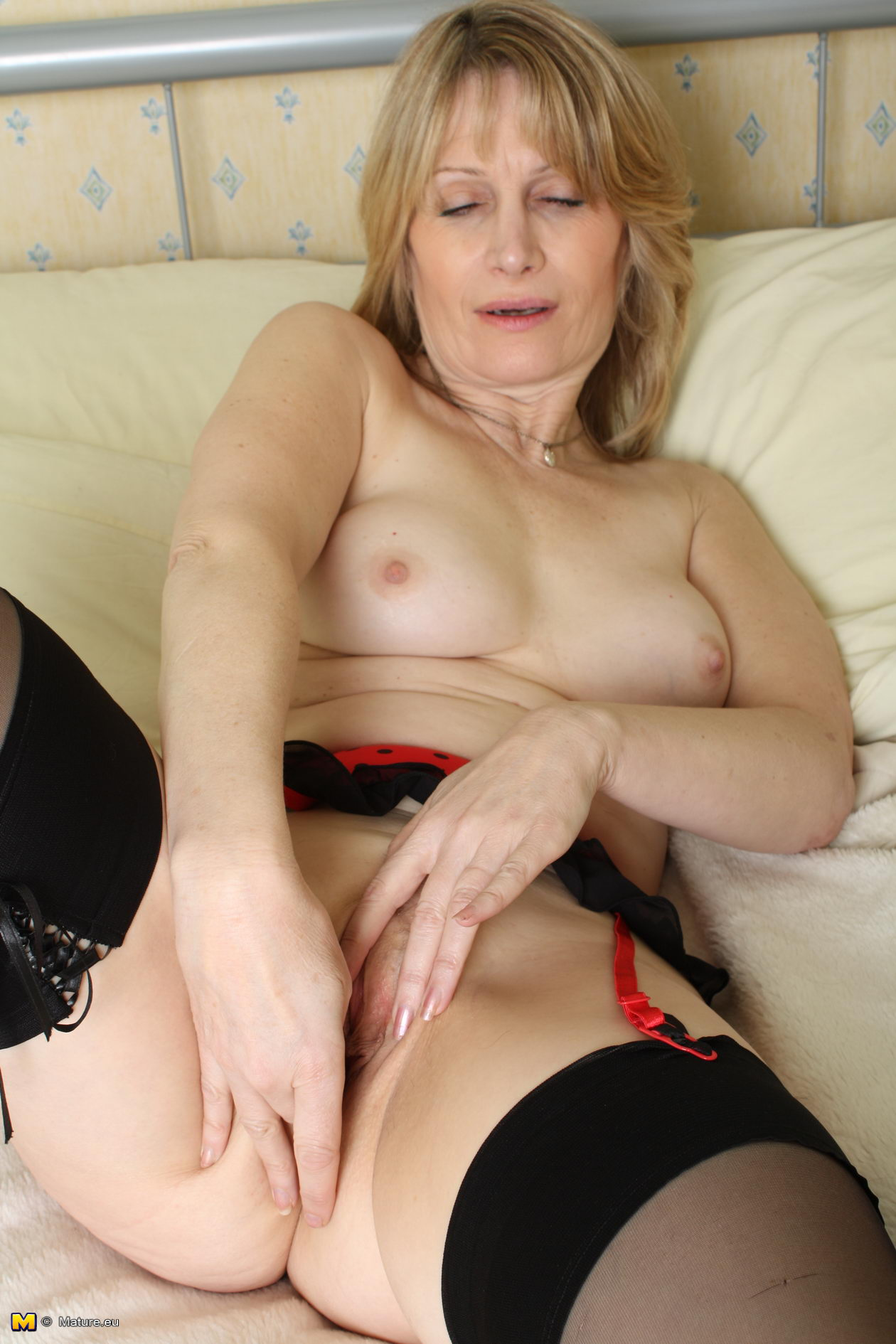 Are absolutely free horny milf video
