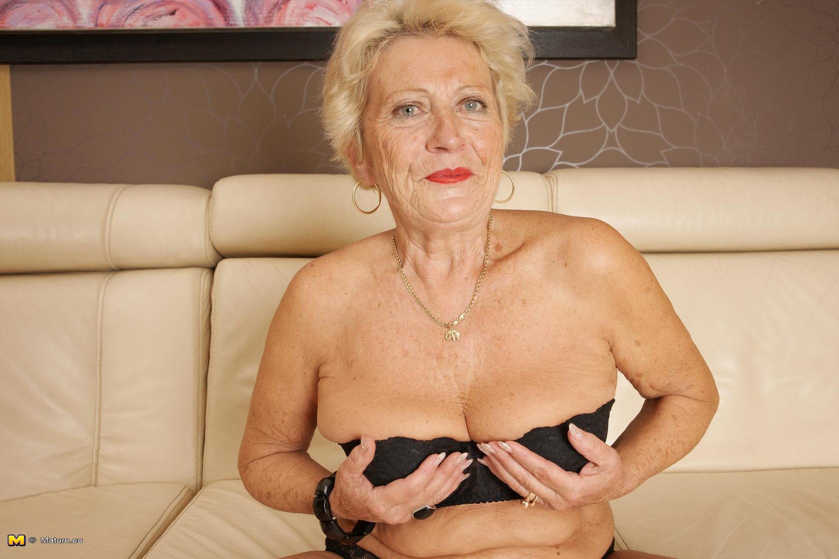 Фото голих бабушек 17 фотография