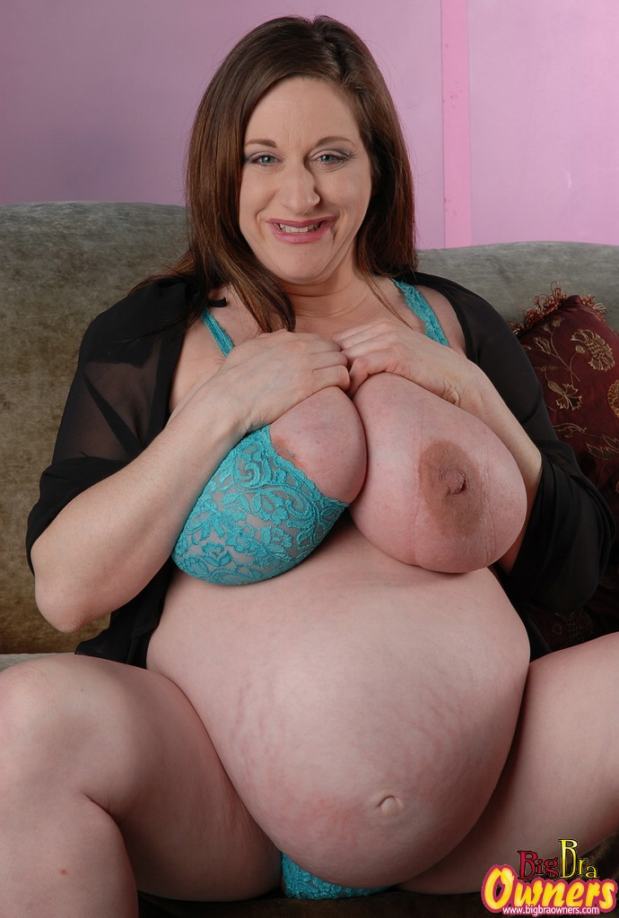 heavily picture naked pregnant mature