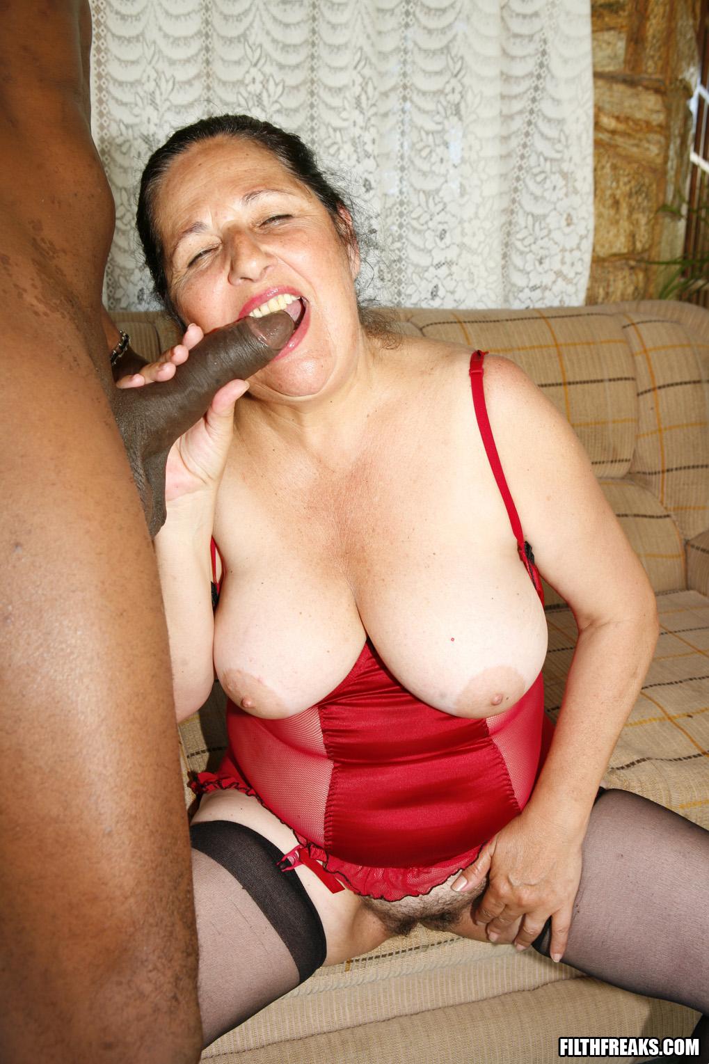 Смотреть бесплатно секс пенсионерок 14 фотография